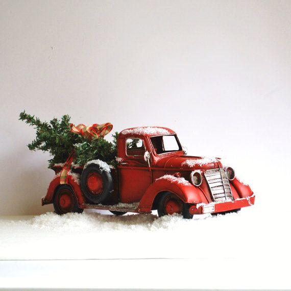 Primitiva Navidad decoración rojo carro casa por CreativeJunkee, $38.00