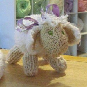 Lovely Baby Patterns: http://knitting.myfavoritecraft.org/free-christmas-knitting-patterns/