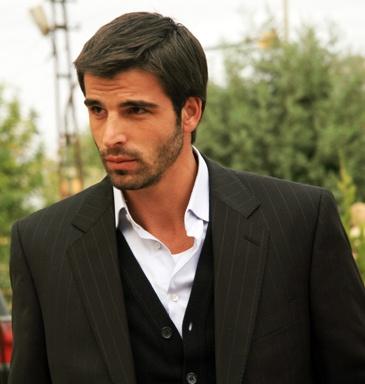 Mehmet Akif Alakurt, Turkish actor, b. 1979