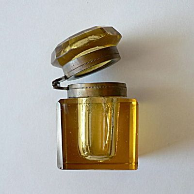 Amber Cut Glass Inkwell (Inkwells & Desk Accessories) at Antique Tiles