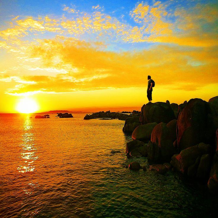 Robertequis contemplando la puesta de sol en el cabo San Vicente,  O'Grove cerca de A Toxa. Uno de los lugares mas bonitos de la tierra, donde contemplar no solo una puesta de sol.