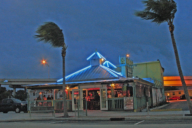 Smokin' Blue Oyster Bar