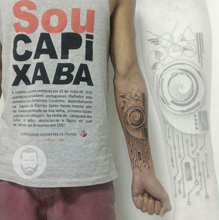 Geometric tattoo. Espírito Santo - Brasil By João Victor Martins  @jvtattoo #ink #tattoo #dotwork #blackwork #geometrictattoo #capixaba #brasil #tatuaje #tatuagem