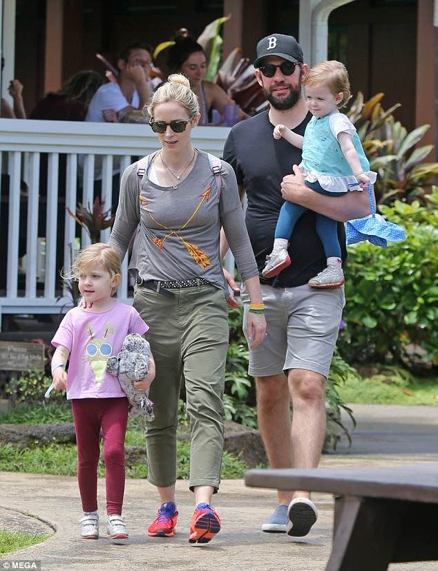 Family photo of the actress, married to John Krasinski,  famous for The Devil Wears Prada, The Young Victoria.