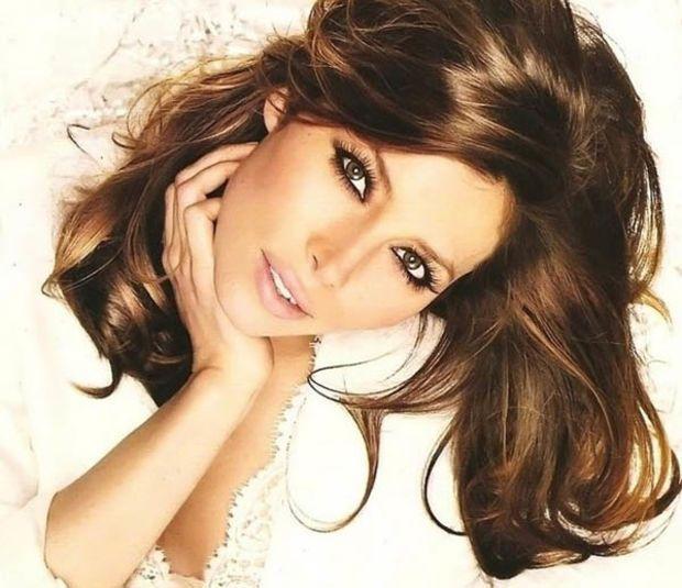 Rich brown hair colour. http://beautyeditor.ca/2014/08/28/hairstyles-for-wavy-dark-brown-hair