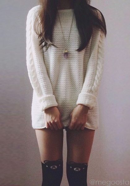Must-have White Knitted Sweater and cute tights