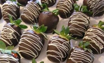 Tip: If you want to inject with liqueur, dip the strawberries in chocolate first and wait for chocolate to dry. Then inject liqueur through the stem into the strawberry