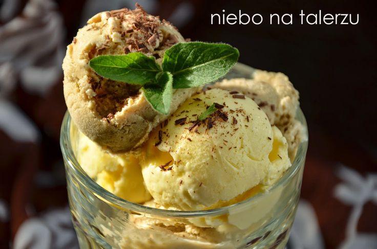 Kremowe lody zrobione w domowej kuchni - to jest coś! A połączenie czekolady, migdałowego amaretto i kawy - mistrzostwo. W kupionych w sklep...
