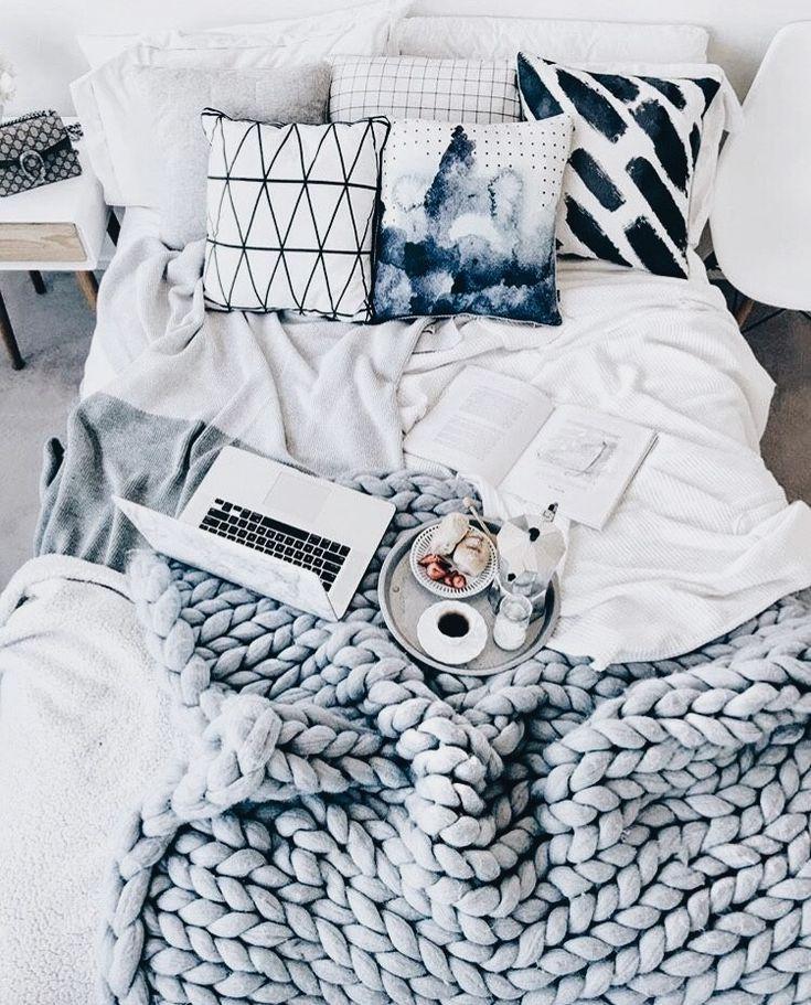 Schlafzimmer im minimalistischen Look