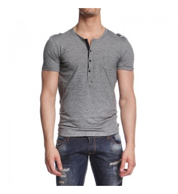 Serafino military style tshirt and metal buttons. http://shop.mangano.com/en/topwear/16531-serafino-ages.html  #shirt #grey #menswear #fashion