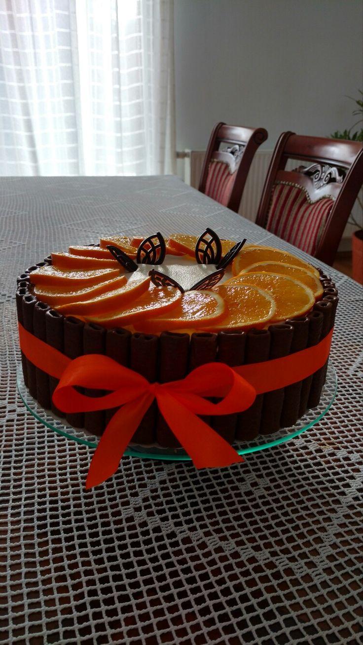 Tort pomarańczowy-autor Słodka sosnowa