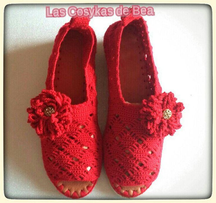 Zapatillas hechas a crochet por Las Cosykas de Bea. Comodidad asegurada,suelas de yute antideslizante.