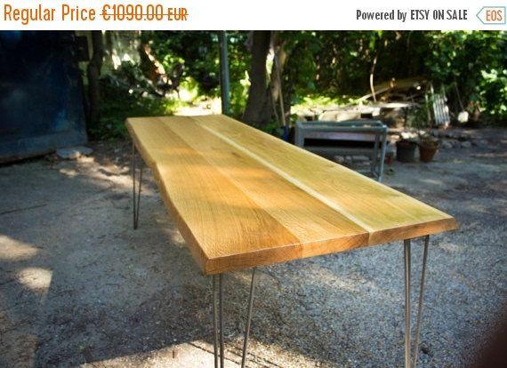 LÄNDLICHER ESSTISCH, großer Tisch aus Eiche mit naturbelassenen Rändern auf Haarnadelbeinen im Fünfzigerjahrestil, handgefertigt 210x70cm