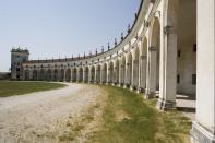 Villa Manin - Colonnato