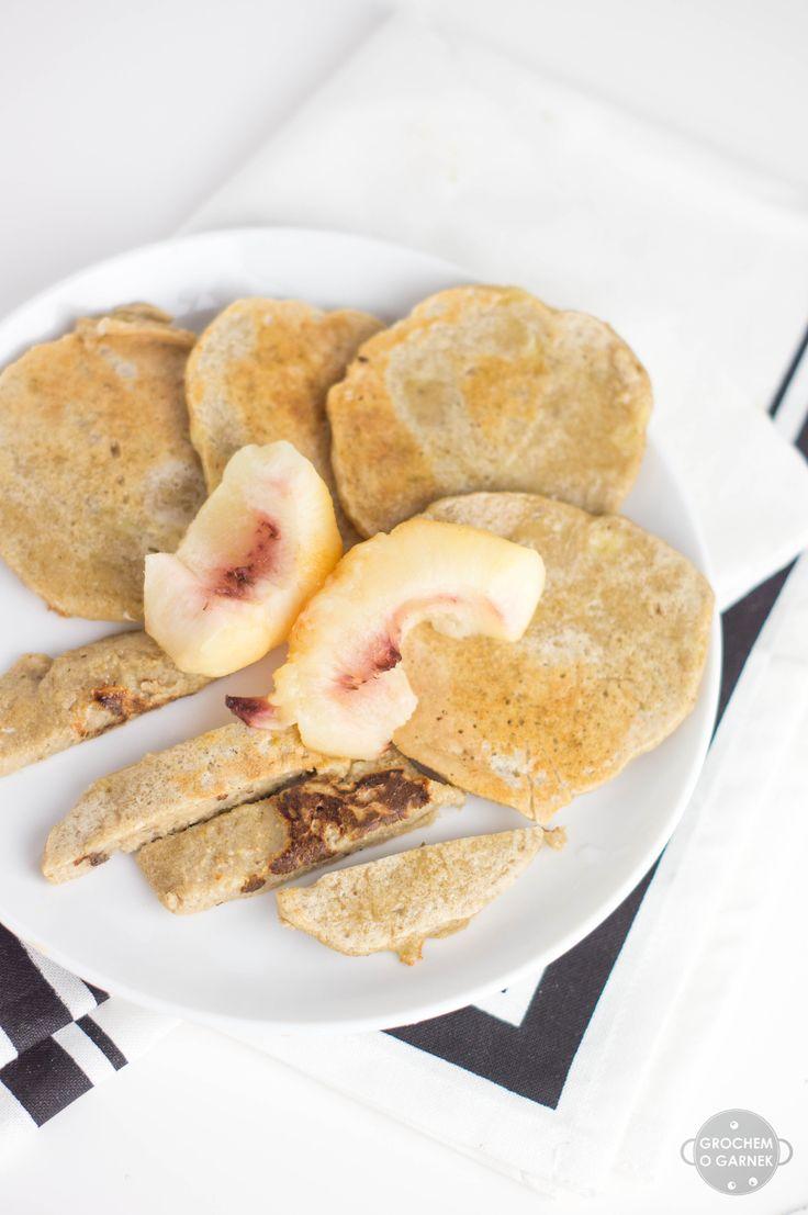 Śniadanie również przy karmieniu metodą BLW jest bardzo ważne. Fajnie, żeby było szybkie, łatwe i smaczne zarazem. Te placuszki to odpowiednik owsianki, ale w wersji samodzielnej dla dziecka i mnie...