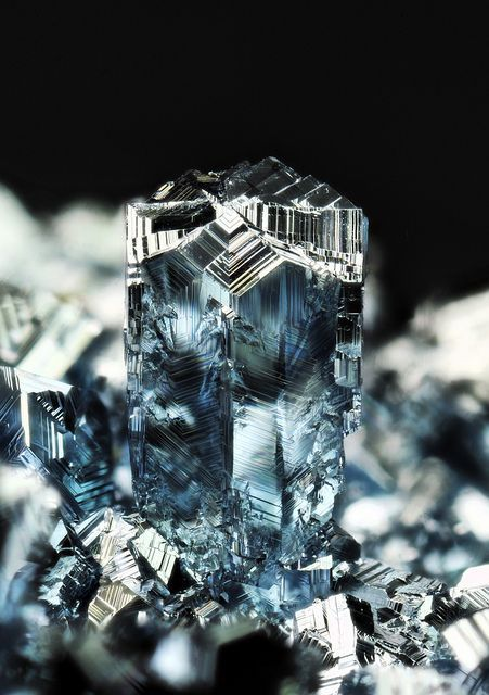 Osmium twinning / Osmium is a hard, brittle, blue-gray or blue-black transition metal in the platinum family and is the densest naturally occurring element, with a density of 22.59 g/cm3 (slightly greater than that of iridium and twice that of lead).
