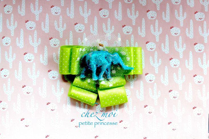 Sono felice di condividere l'ultimo arrivato nel mio negozio #etsy: Brooch Elephant - Bow Tie - Gift Handmade - Bow Brooch - Ribbons Brooch - Textile Brooch - Pin - Spilla - Love Gift - Pig Brooch #gioielli #spille #blu #bambine #verde #animali #pasqua #compleanno
