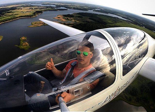 Планер G103a Twin II Acro - самый популярный в мире, двухместный планер конструкции пилота-любителя и предпринимателя Буркхарт Grob. Широко востребован ВВС Великобритании, Бельгии, Аргентины, Австралии и США. #Twin, #glider, #poletnaotlichno
