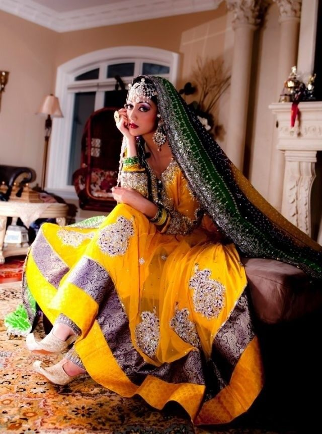 lovely color combo via http://bollywoodbrides.tumblr.com/