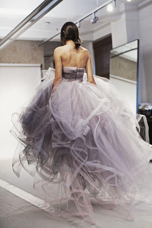 'Arizona' gown by Oscar de La Renta Fall/Winter 2012. I love this