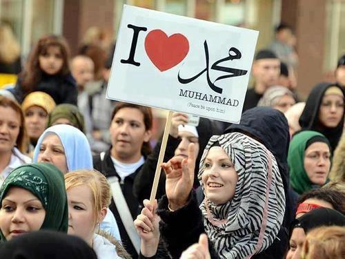 http://www.dawntravels.com/ramadan-umrah-special.htm..