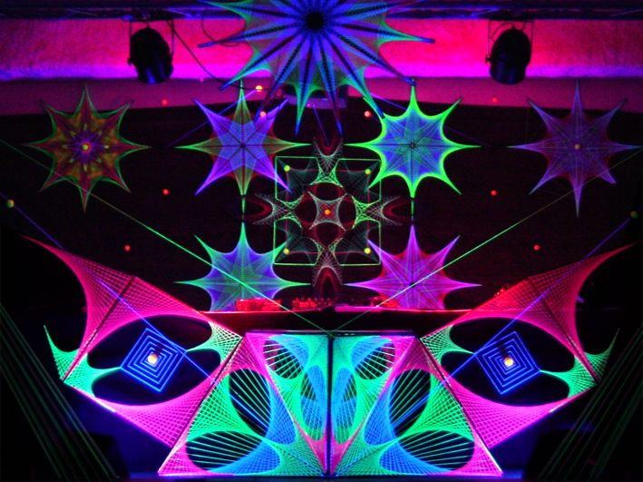 Would make an awesome DJ booth set up