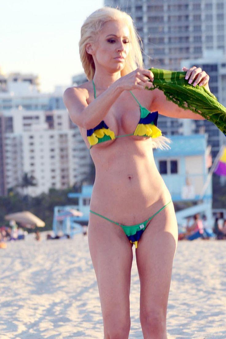 Ana Braga Topless Nude Photos 31