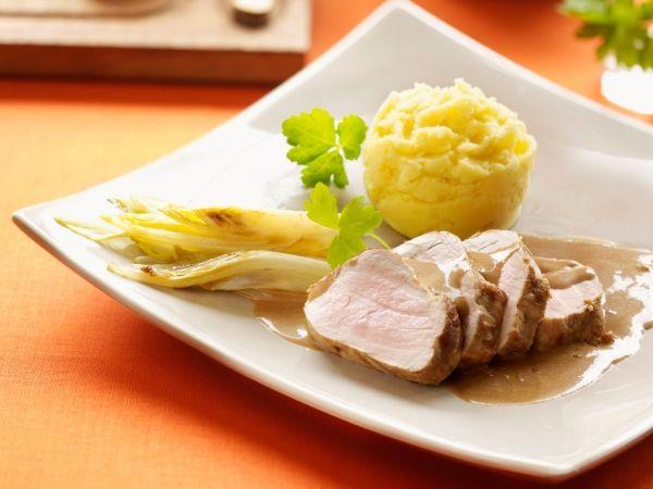 Varkenshaasje met witloof en aardappelen - Libelle Lekker!
