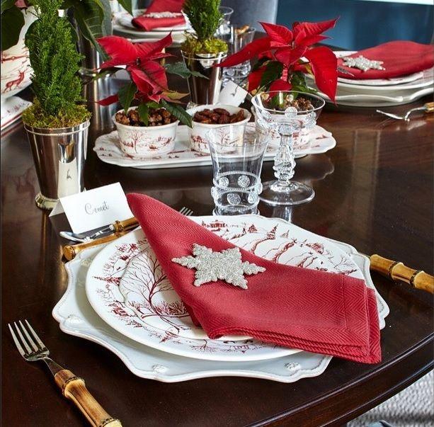 Table is set for Christmas! @juliskaofficial #JuliskaJoy Photo credit: ChiChi Ubina. @look_fairfieldcounty