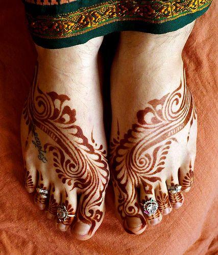 Arabic style foot henna