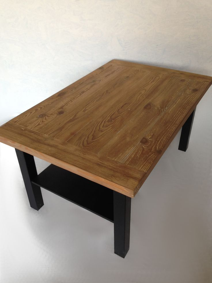 Stolik z blatem ze starego drewna Table basse en vieux bois