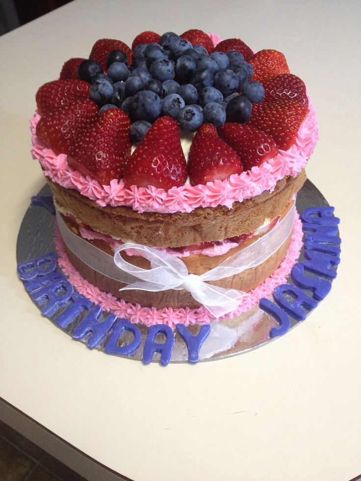 Berry sponge made by Becs Custom Creations on Facebook. Yummm