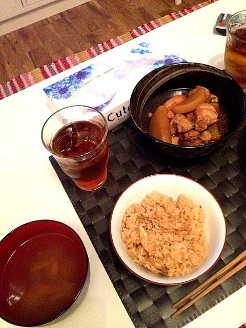 昔とったやつです! 松茸づくし! - 48件のもぐもぐ - 松茸ご飯と松茸のお吸い物と鶏肉と大根の煮物! by misomai2525