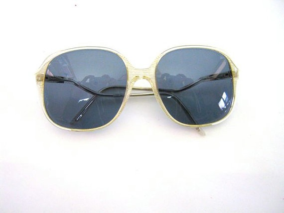 Vintage 1970s sunglasses by dirtybirdiesvintage on Etsy, $20.00