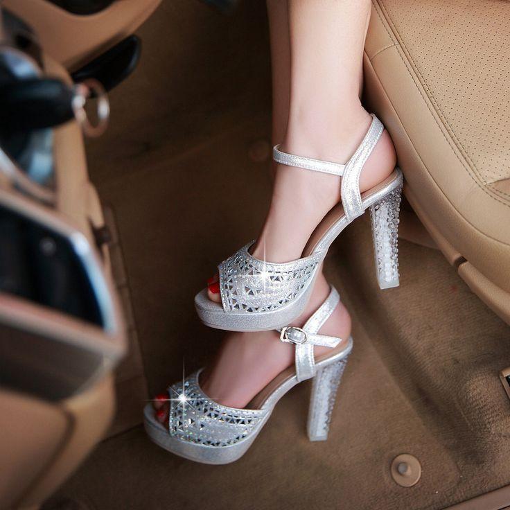 Caliente venta! tamaño grande 32 43 forme a mujeres del estilo del verano  zapatos sexy peep Toe tacones altos sólido decoración del diamante  sandalias LLY A ...