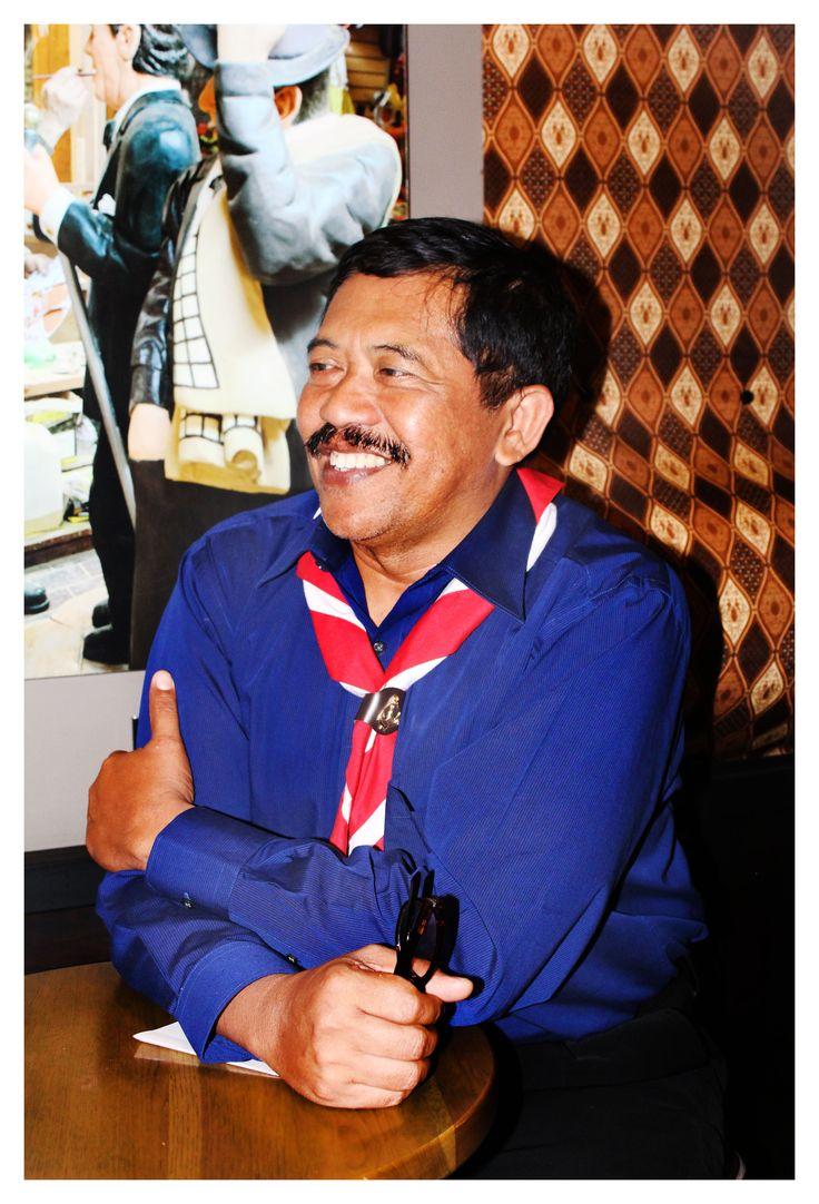 Djoko Adi Walujo: Ulur Tangan Bukan Campur Tangan   Selengkapnya : http://www.kompasiana.com/bertysinaulan/djoko-adi-walujo-ulur-tangan-bukan-campur-tangan_58fb731cca23bdf7038b456d  Scout Journalist #ISJ #scoutjournalist #ISJ002