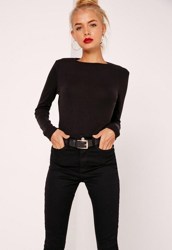 Update your wardrobe in new season pieces guaranteed to make you look seriously on point. Mix 'n match this ribbed top with faux leather and denim to toughen up the look.