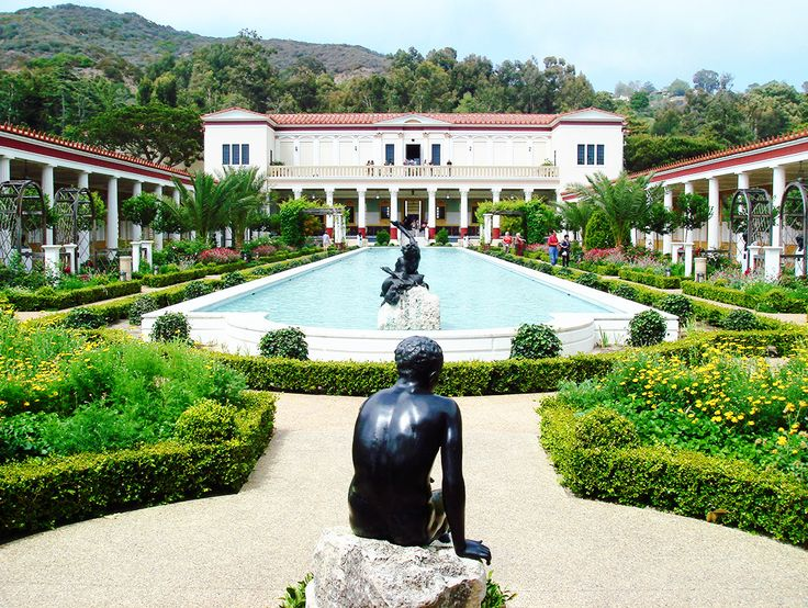 THE GETTY VILLA 21 Places Every Arts and Culture Lover Should Visit in Los Angeles via @MyDomaine