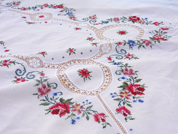 Tablecloth | White cotton Cross Stitch design with crochet lace tablecloths