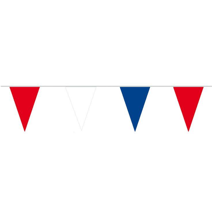 Mooie vlaggenlijn van katoen met rood, wit en blauwe vlaggen. Versier het huis tijdens de oranjefeesten! Afmeting: lengte 10 meter - Katoenen Vlaggenlijn RWB BT