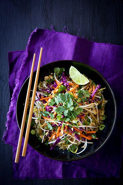 Ensalada tailandés con quinoa y maní