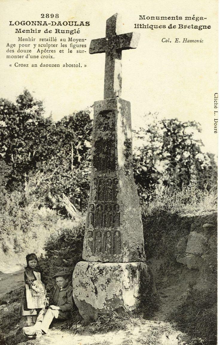 Menhir de Runglé Logonna Daoulas | Finistère Bretagne