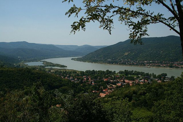 """VIDEGRÁD is famous for the remains of the Early Renaissance summer palace of King Matthias Corvinus of Hungary, and for its medieval citadel. From the castle you can see the famous """"Danube bend."""" Photo """"Visegrád"""" by Jordi Joan Fabrega, flickr user jordillar_fotos."""
