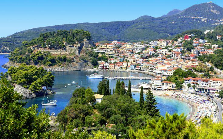 Pargan rannikko on kiistatta yksi Kreikan tunnelmallisimmista alueista. Parga on upean romanttista seutua sataman viihtyisine kävelykatuineen. www.apollomatkat.fi #Parga #Kreikka