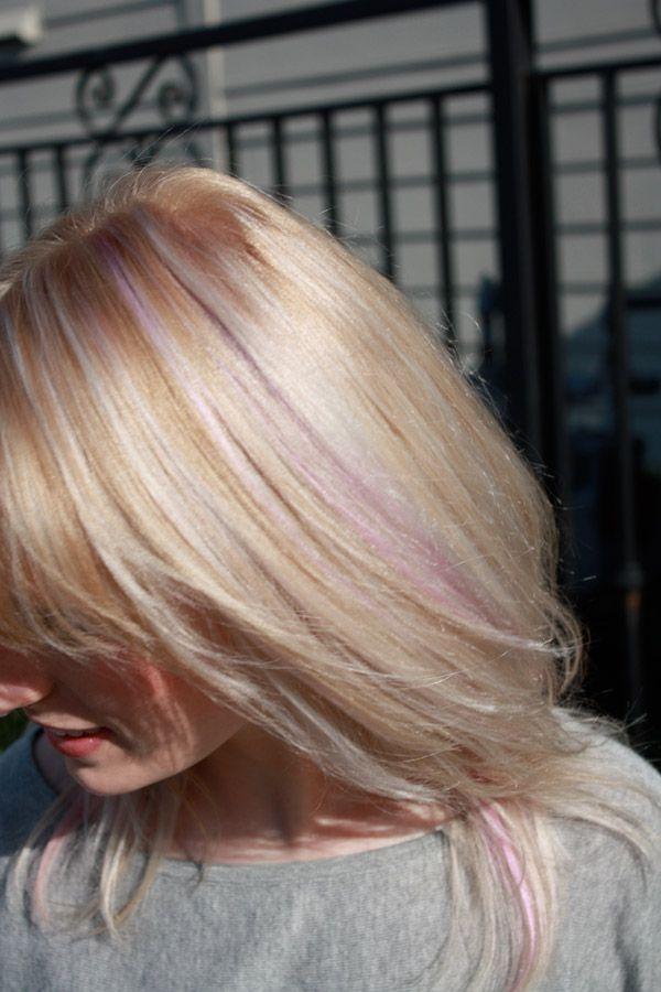 Light Pink Highlights Blonde Hair Www Imgkid Com The