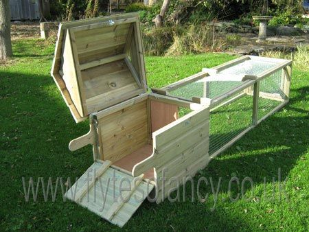 Cute Rabbit House. Love the idea of handles on one end, 2 little wheels on the other, so u can move it to a fresh patch of grass every day.