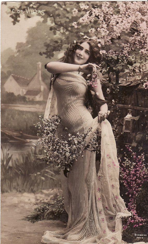 French postcard girls lesbian scene