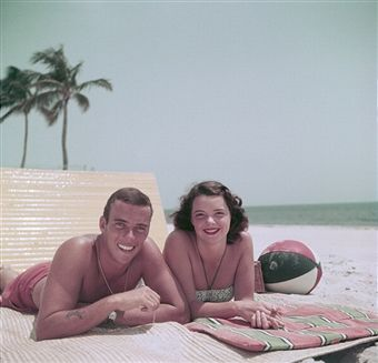 Peter Pulitzer with wife Lilly, in Palm Beach, Florida, 1955 (photo by Slim Aarons)