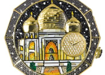 Sicis has found versatile and original ways of using mosaics and tesserae now including micromosaic jewelry.