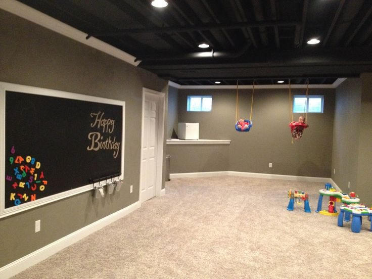 basement: love the color of the walls and the trim!